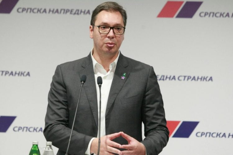 Vučić: Vakcinisani će imati pravo na plaćeno bolovanje, nevakcinisani ne