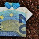 Dvadeset evra za punoletne