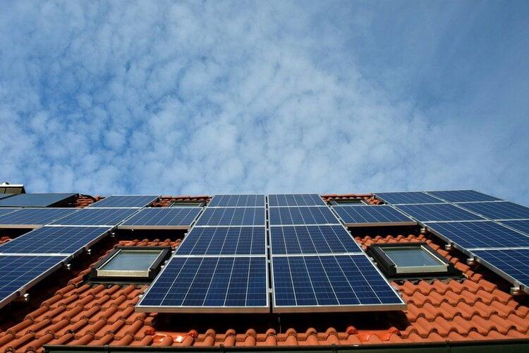 Polovinu novca za solarne panele daje država